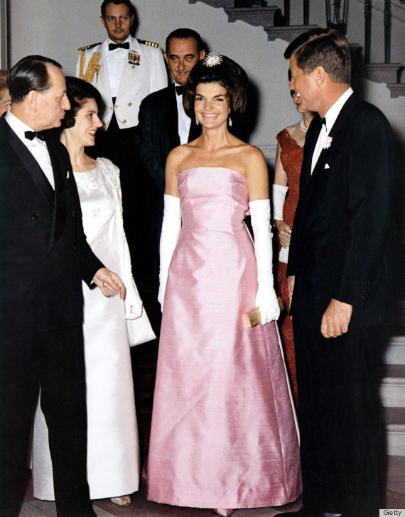 Jackie Kennedy Fashion: 12 Unforgettable Style Lessons From Jackie Kennedy (PHOTOS