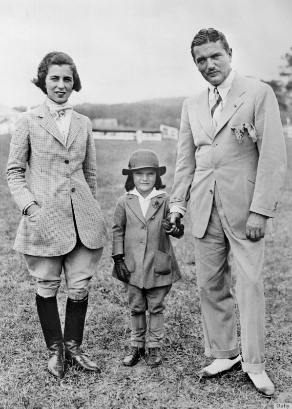 12 Unforgettable Style Lessons From Jackie Kennedy (PHOTOS ... b8cd661c45d