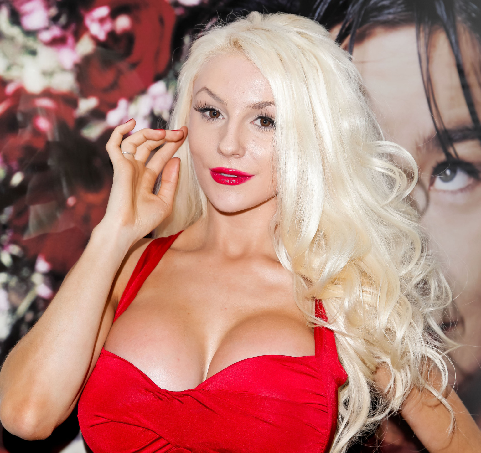 Porm celebrity hairstyles - Courtney Stodden S Porn Deal Would Ve Profited Her 5 Million That Is If She Hadn T Turned It Down Huffpost