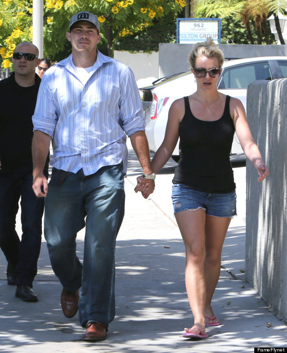 Who is britney spears dating 2020