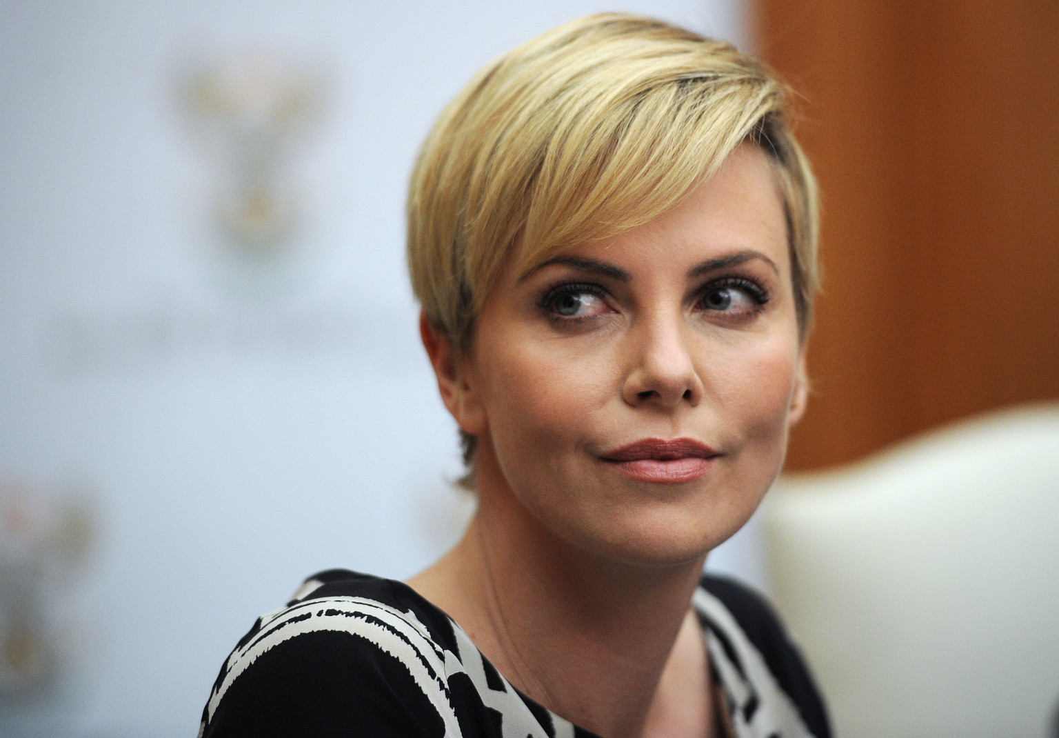 Charlize Theron Pledges To Charlize Theron
