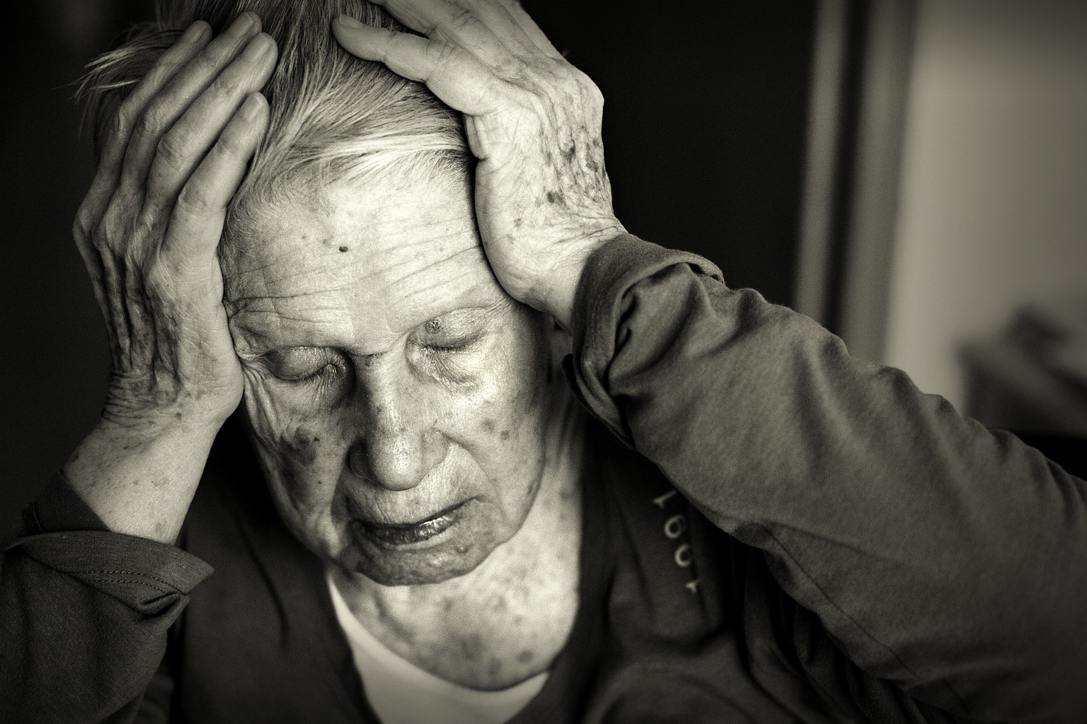 15 Things Alzheimer's Does To Patients And Their Loved