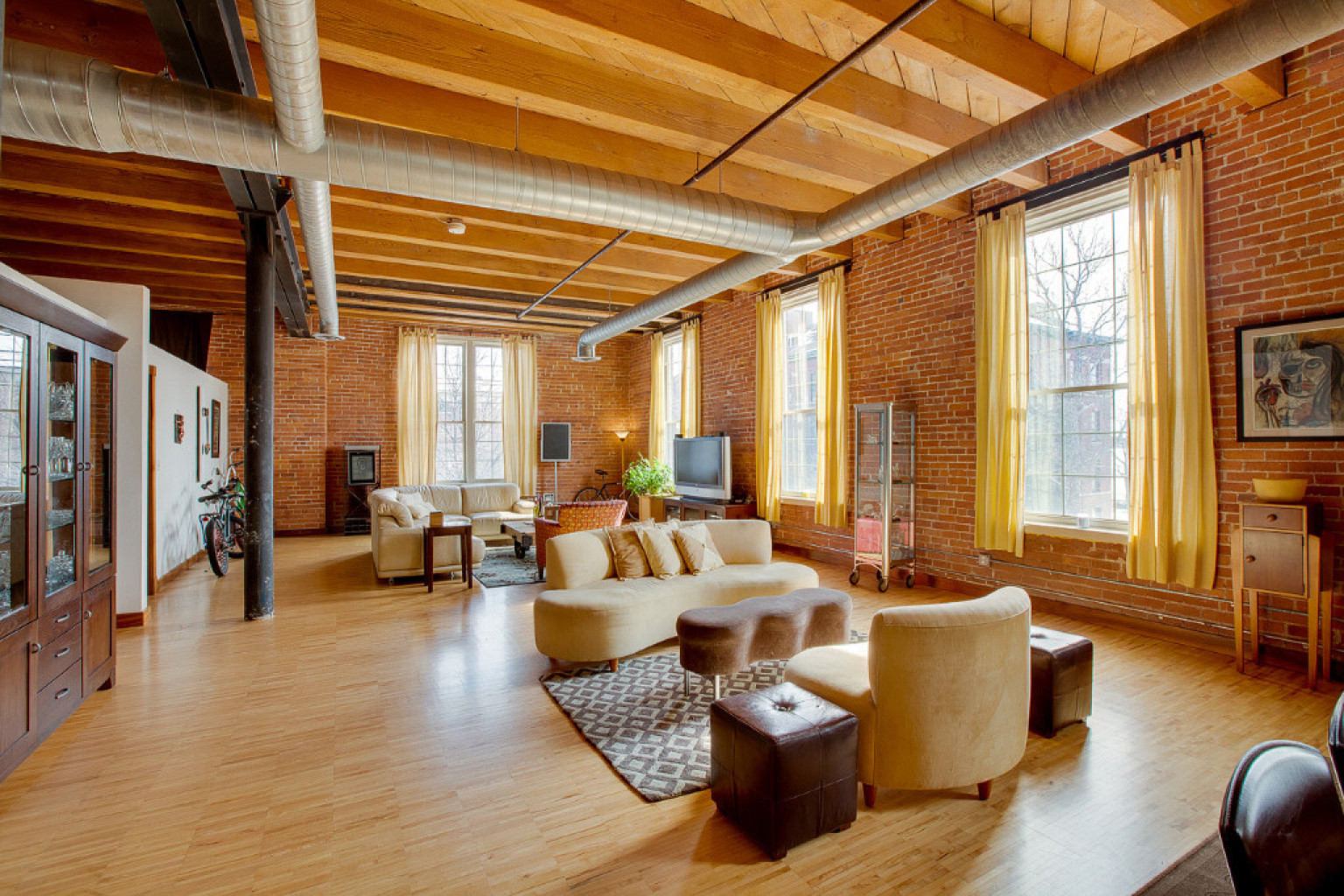 Detroit Lofts Range From Stunningly Luxurious To