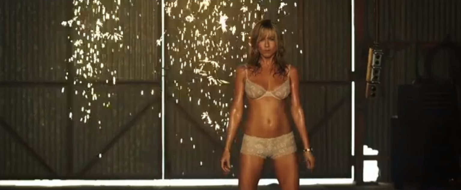 Aug Jennifer Aniston Stars As A Stripper In The Uping Film