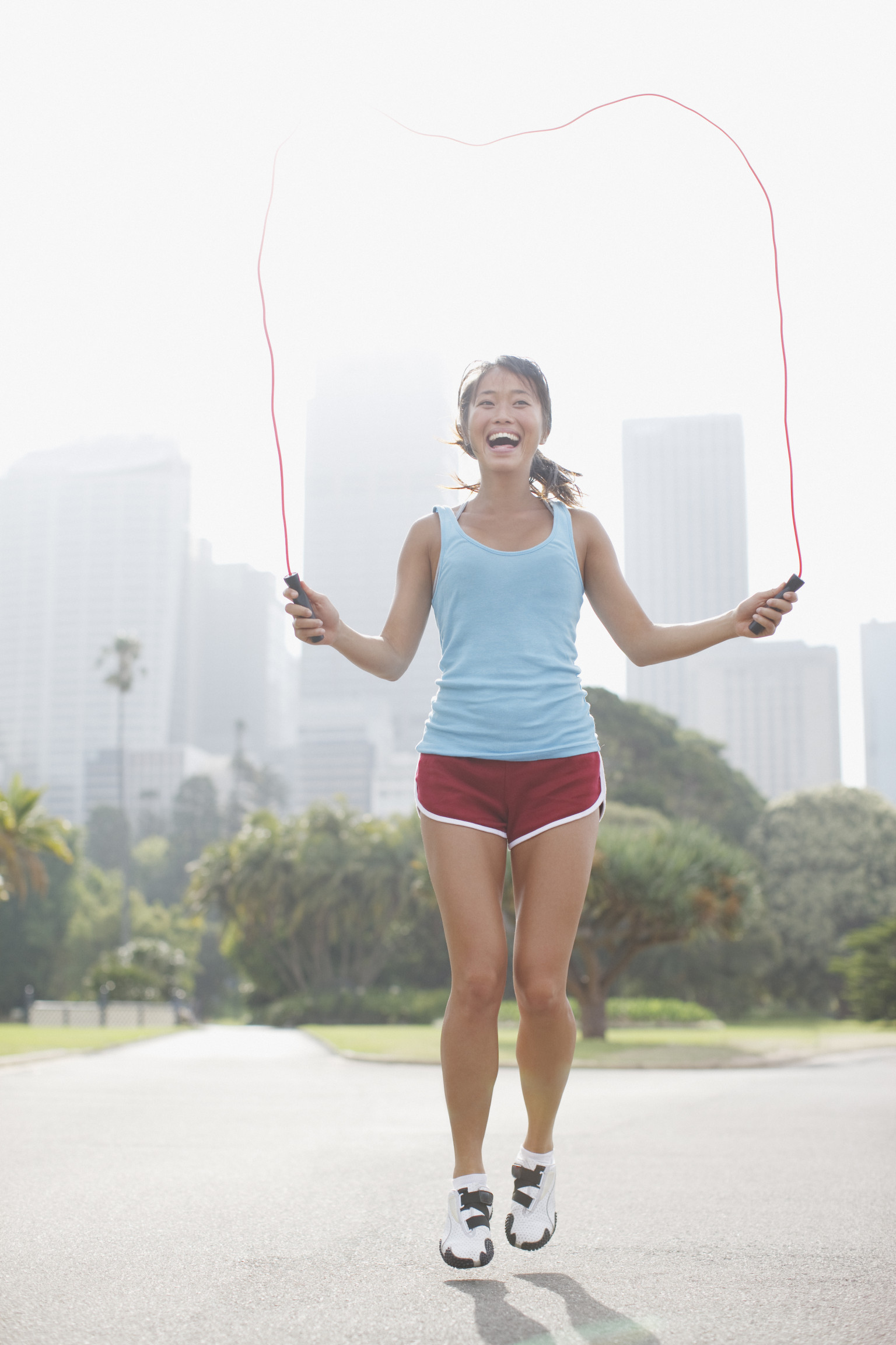 10-Minute Workout: Torch Calories Jumping Rope (VIDEO ...