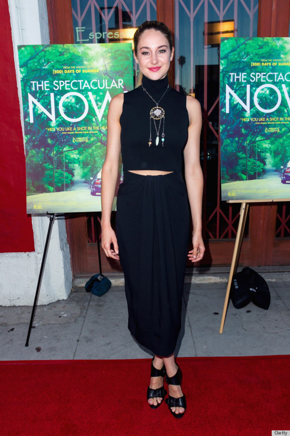 Shailene Woodley Goes Barefoot On The Red Carpet Is