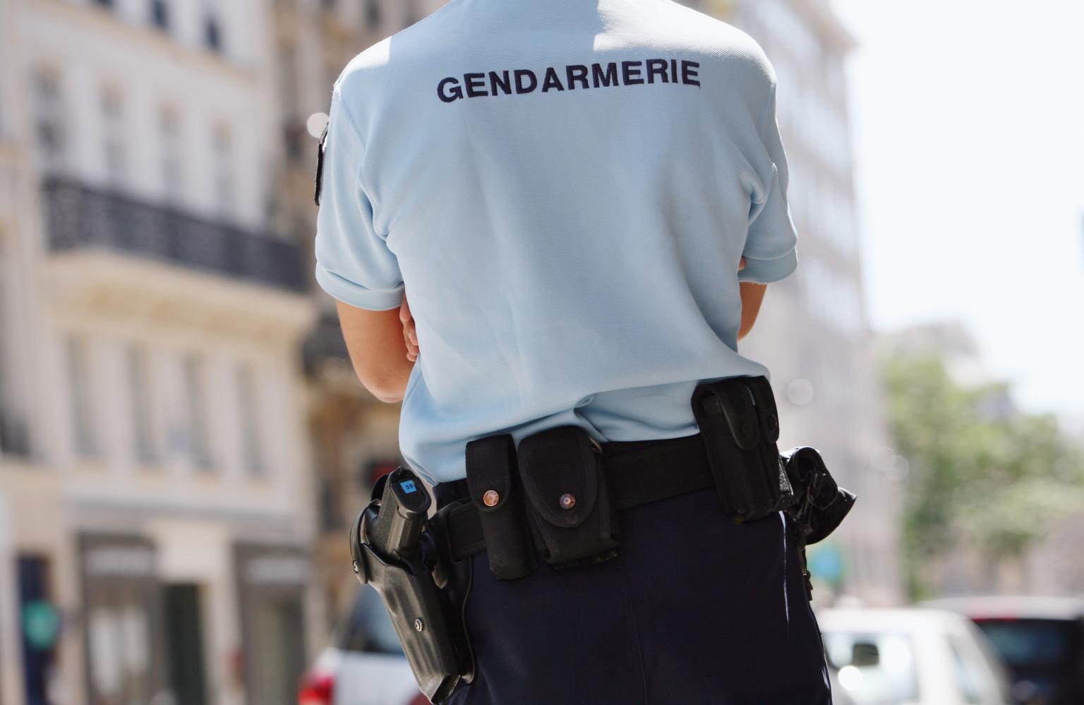 un gendarme tue le conducteur d 39 un scooter vol biscarrosse suite une interpellation mouvement e. Black Bedroom Furniture Sets. Home Design Ideas