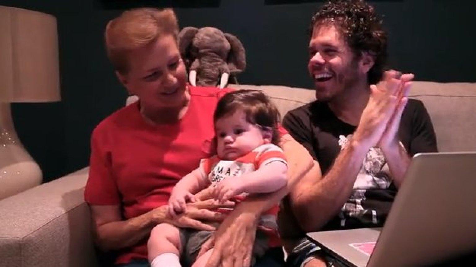 Perez Hilton Family Perez Hilton's Mother Sings