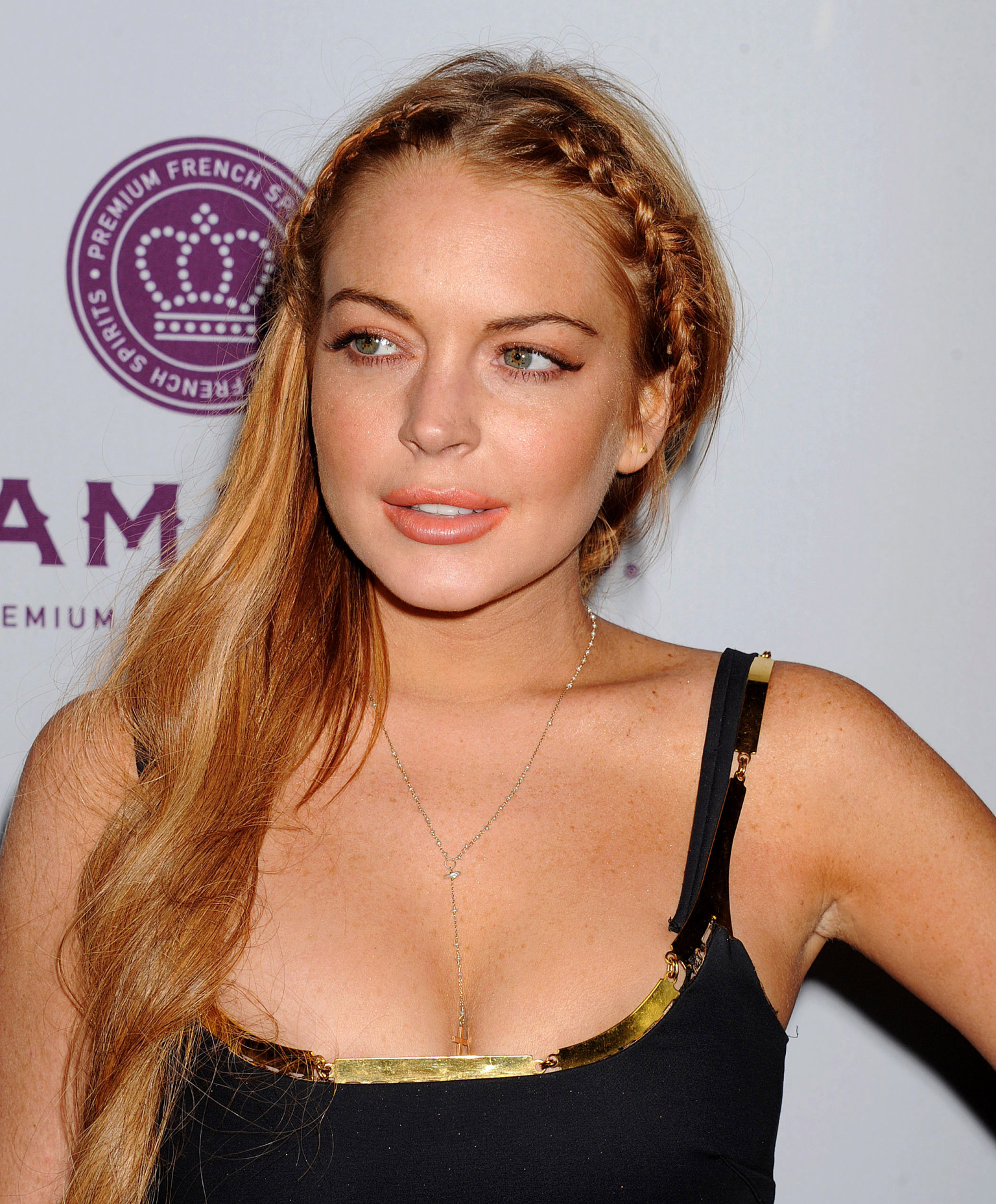 Lindsay Lohan Topless Photos From The Canyons Leak