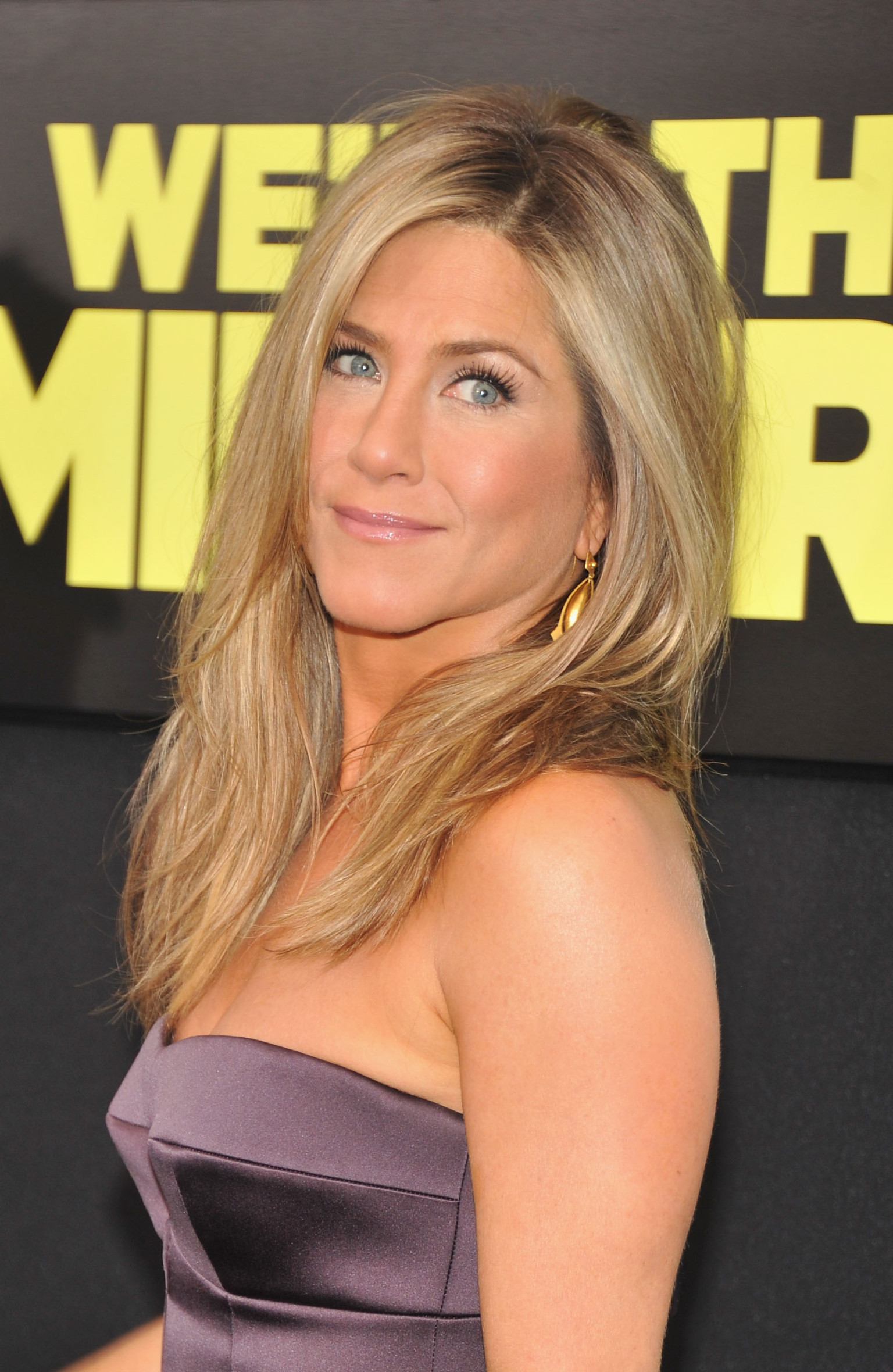 Jennifer Aniston Is Stunning With No Makeup In New