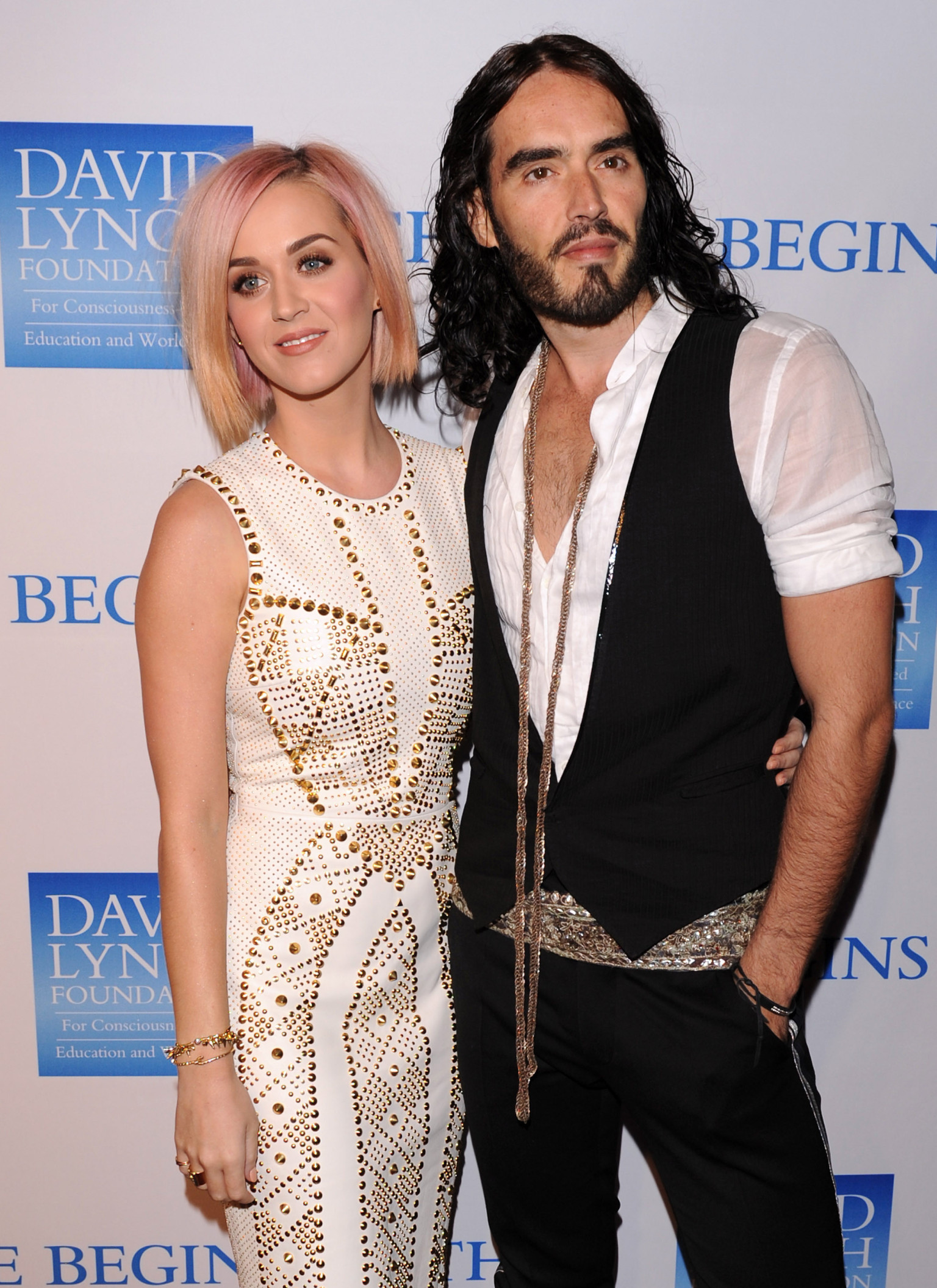 is katy perry dating anyone 2013