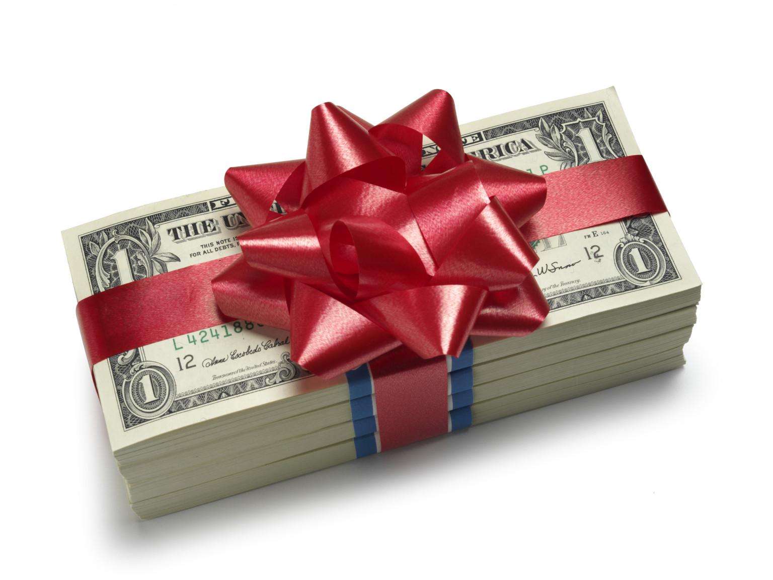 Давать за подарок деньги 59