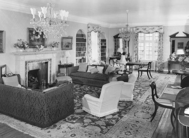 winston churchill living room