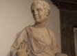 American Tourist Breaks Finger Off 600-Year-Old Statue At Italian Museum By Accident (VIDEO)