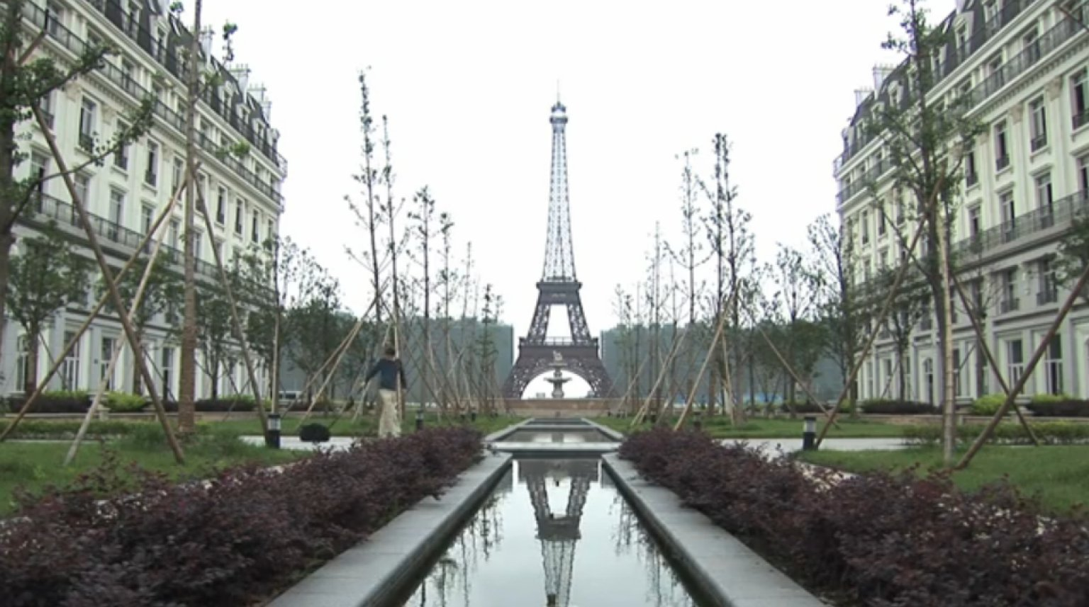 paris in china tianducheng is an eerie abandoned city of lights