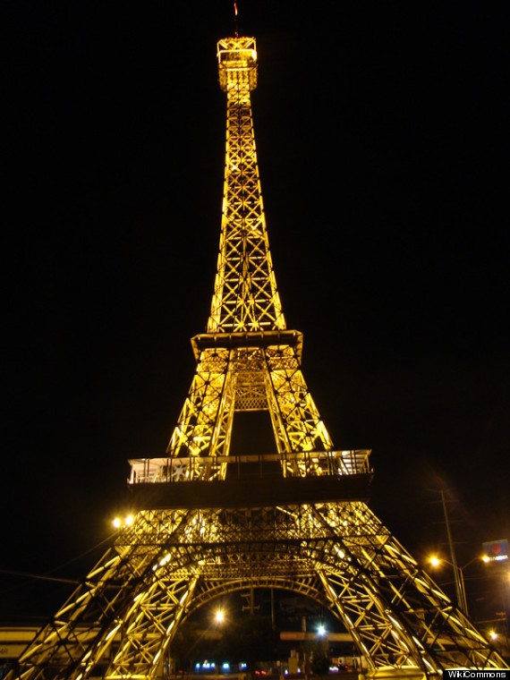 the most legit eiffel tower replicas you didn 39 t know existed huffpost. Black Bedroom Furniture Sets. Home Design Ideas