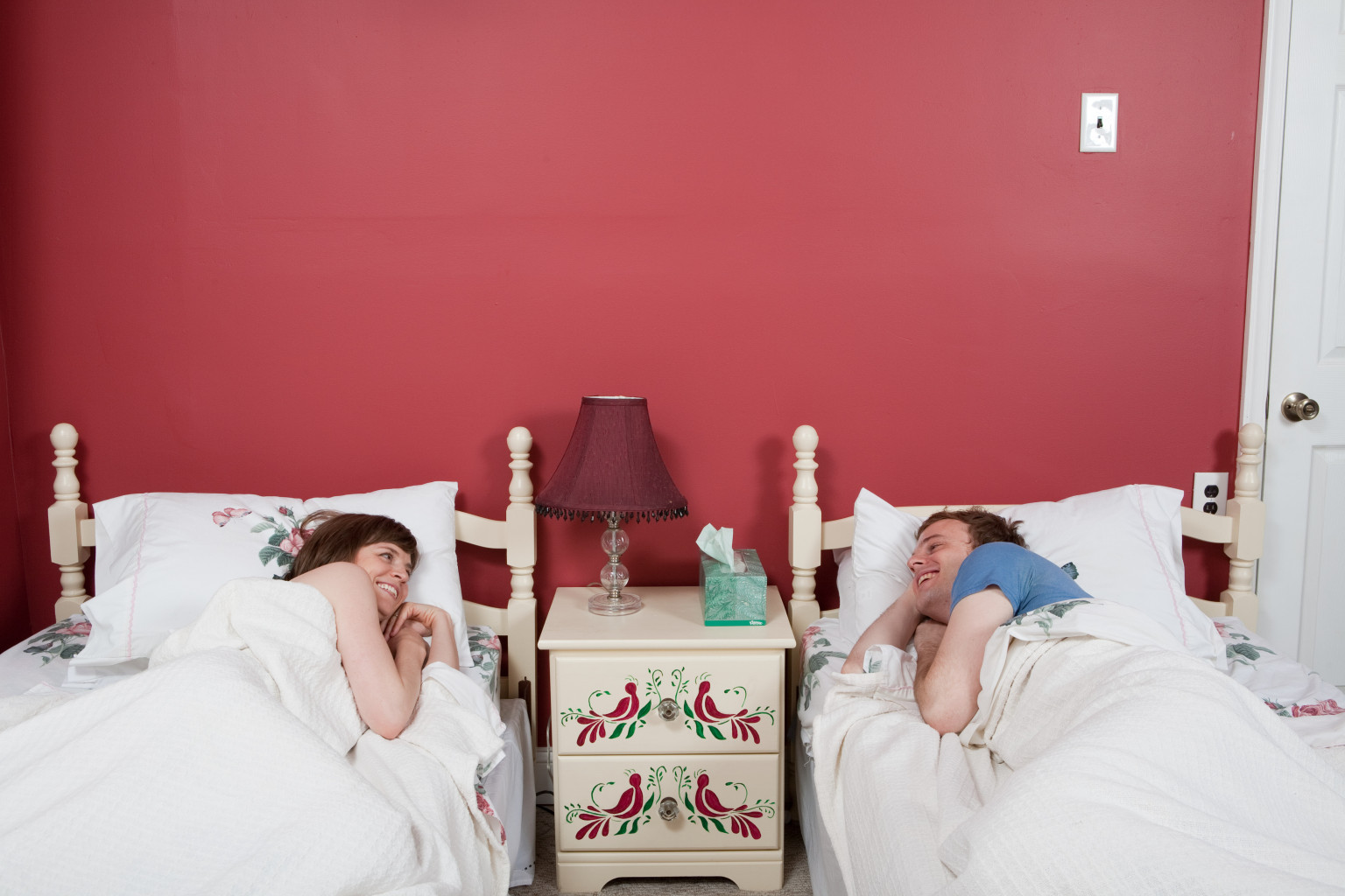 Sleep Study Reveals That 30-40 Percent Of Couples Sleep ...