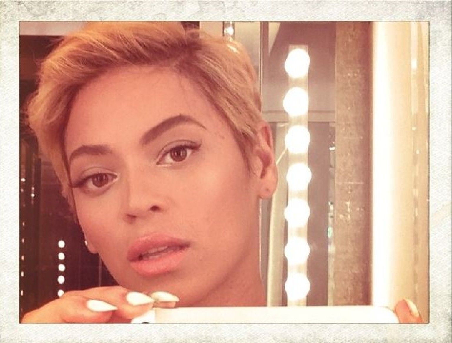 BEYONCE-CHEVEUX-COURTS-facebook.jpg