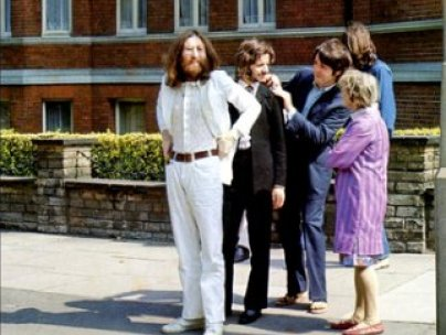 http://www.purpleclover.com/entertainment/769-abbey-road/item/beatles8/?icid=maing-grid7|htmlws-main-bb|dl23|sec1_lnk1&pLid=355542