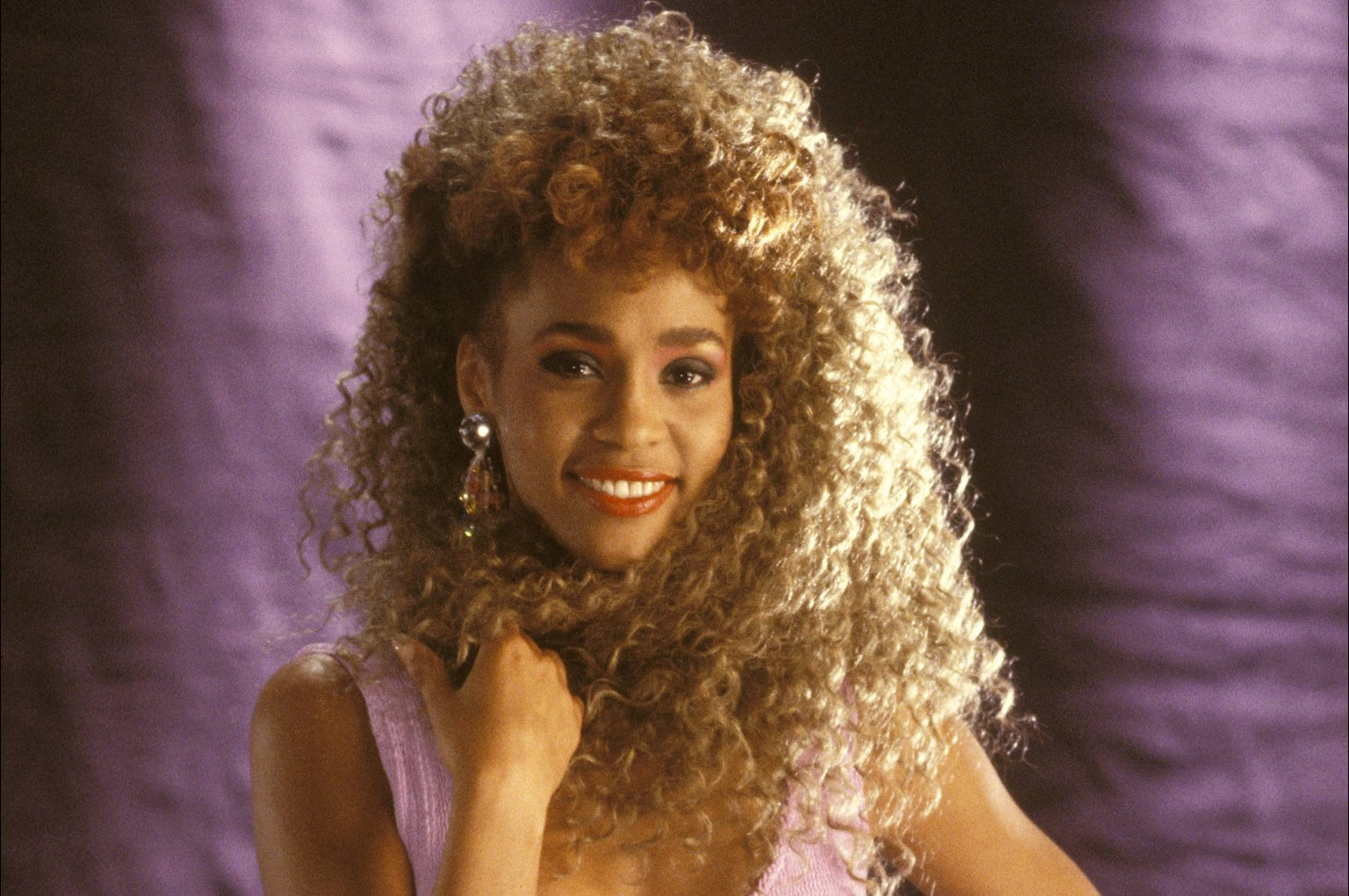 11 style lessons whitney houston has taught me photos gifs for The whitney
