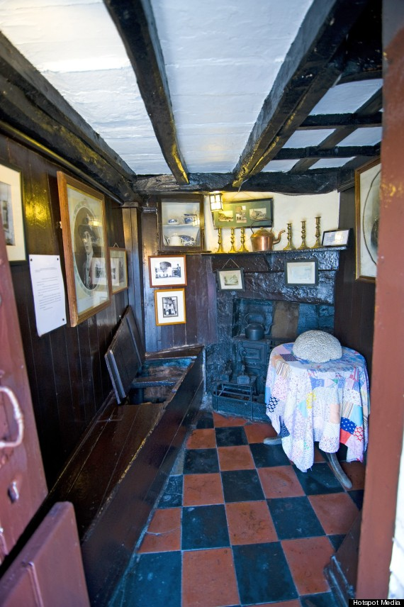 britains smallest house