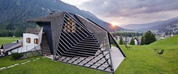 Photos une maison de vacances dans les dolomites la for Maison italienne architecture
