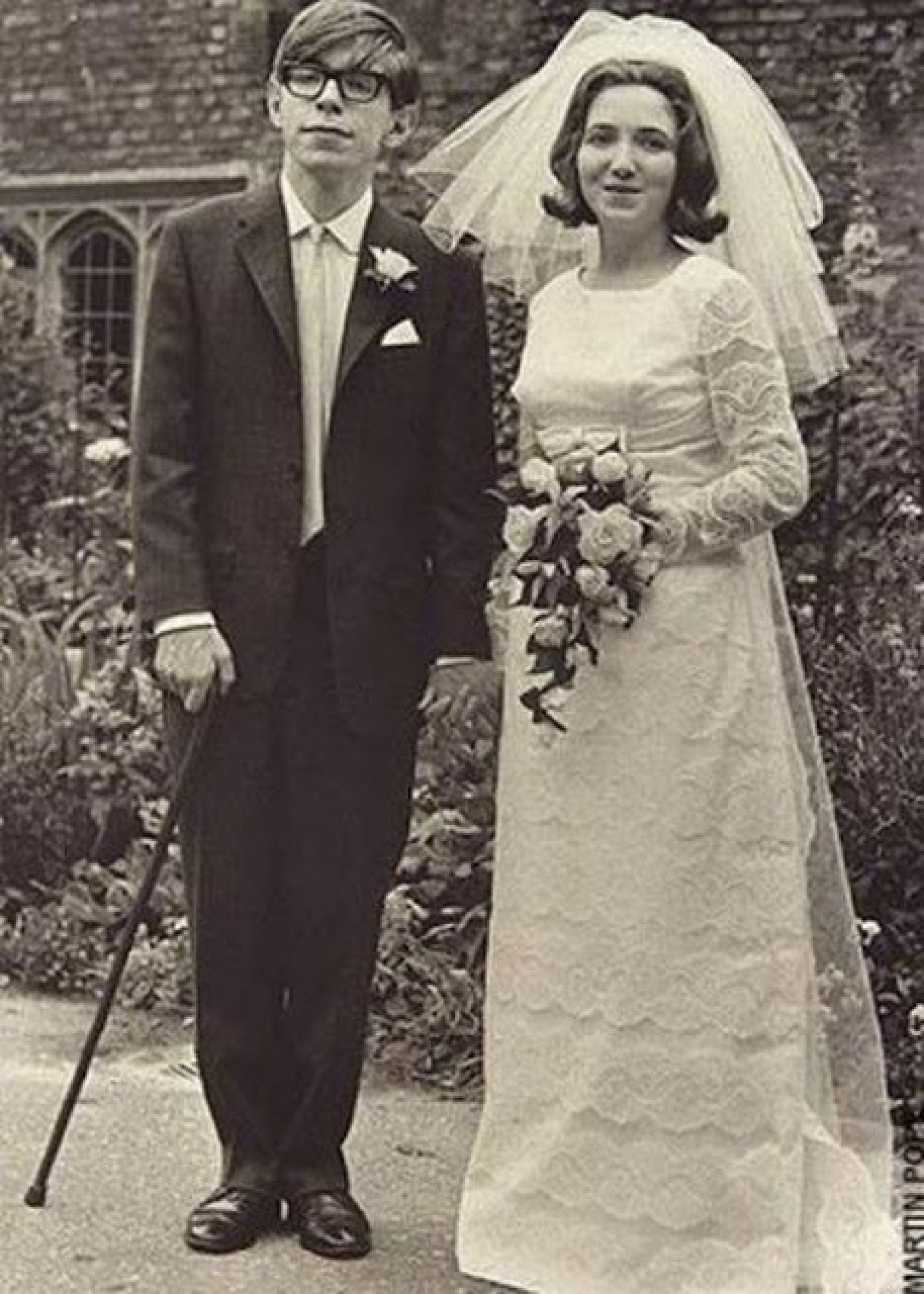Stephen hawking wife jane wilde look lovely on their wedding day in
