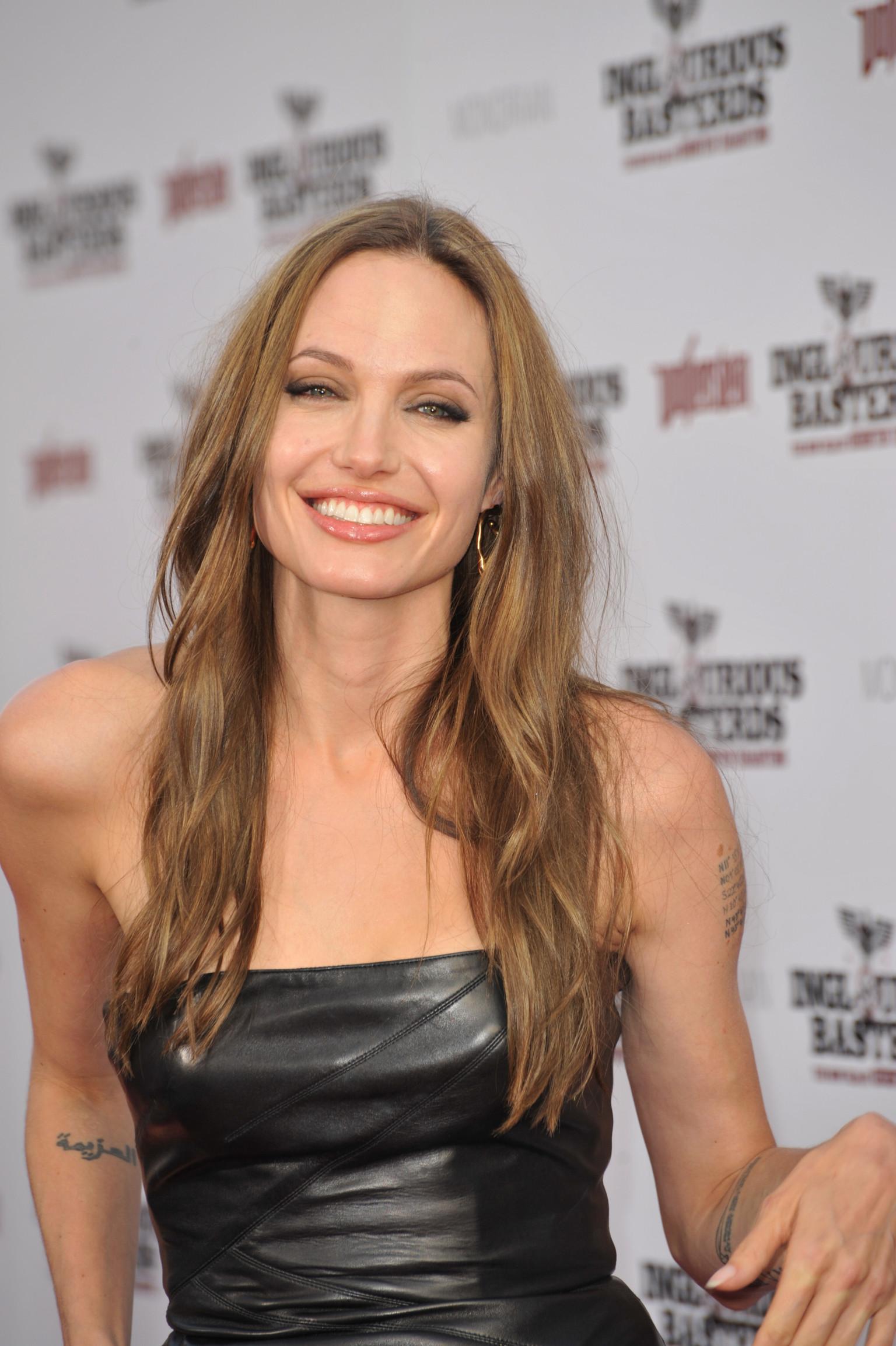 Angelina Jolie Look Using All Drugstore Makeup: Angelina Jolie And Her Skin Care Secrets