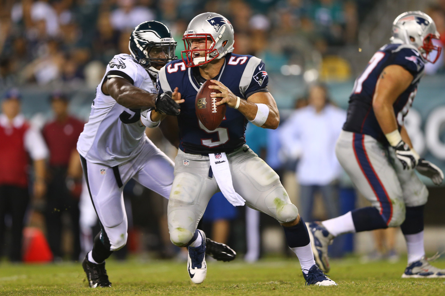 Tim Tebow's Patriots Debut Includes Errant Passes, Running ...
