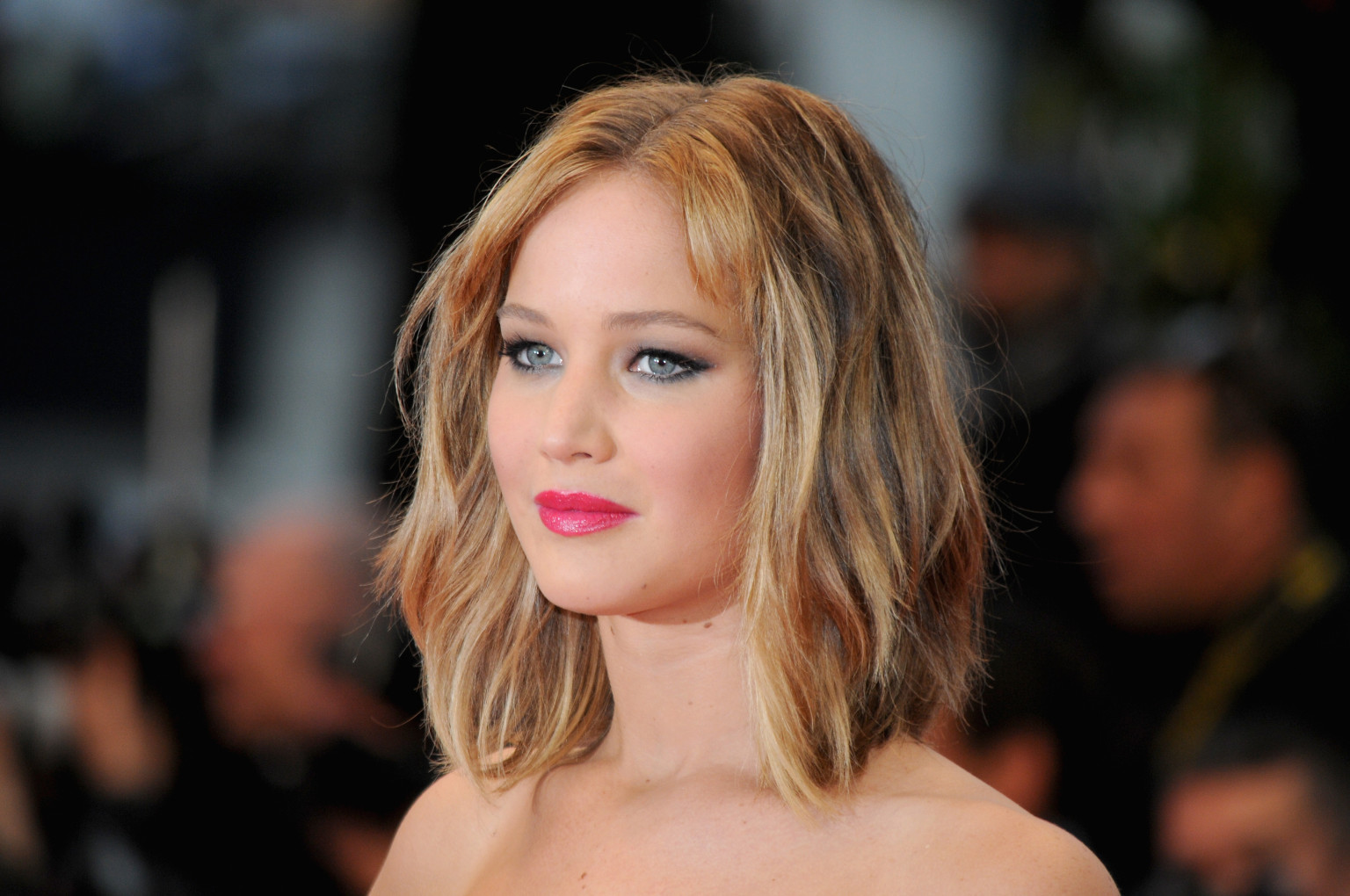 Jennifer Lawrence Discusses Her 'Unhappy' Childhood With Vogue ... Jennifer Lawrence