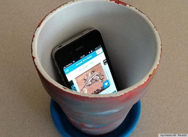 flower pot to amplify sound