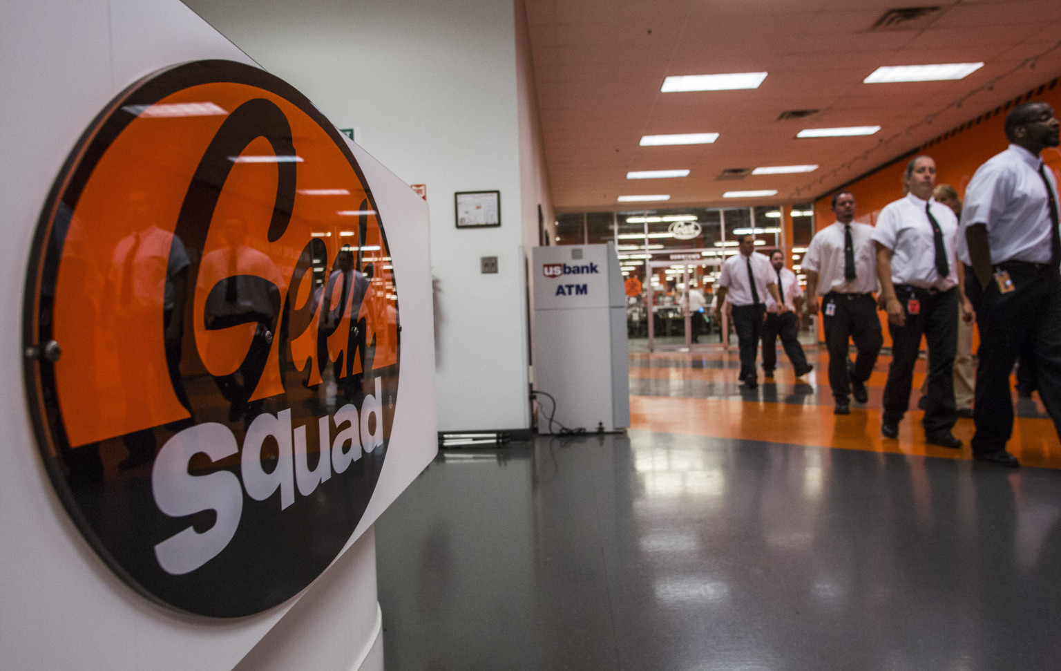 Geek Squad Employee Allegedly Stole Nude Pictures Off ...