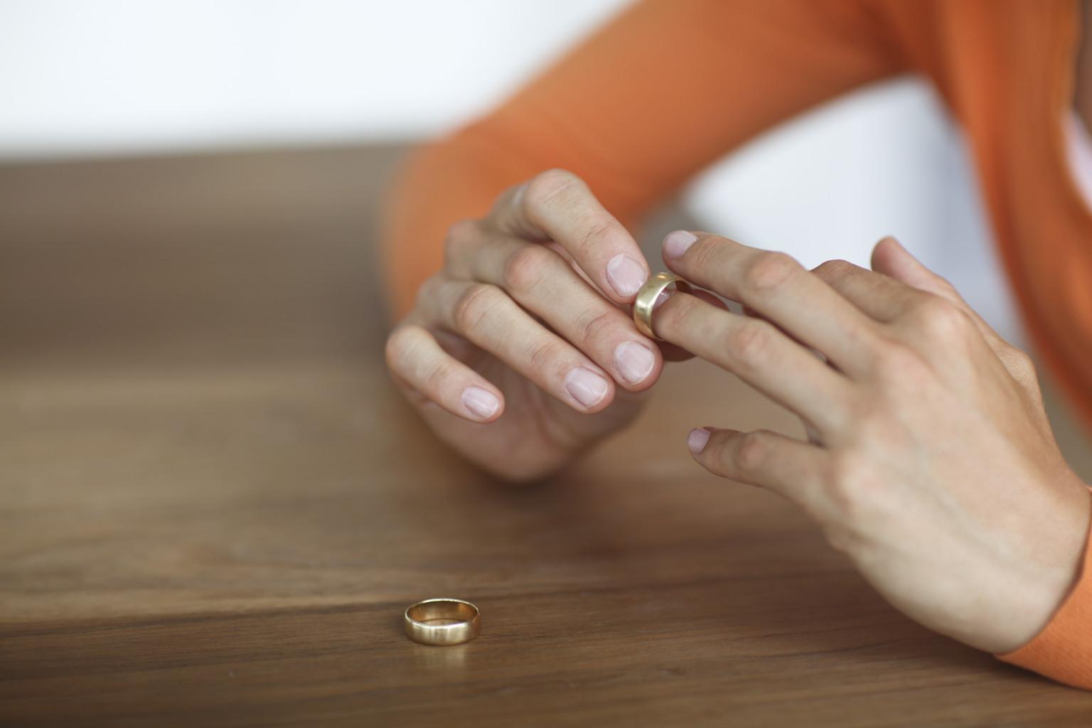 jon foreman wearing wedding ring