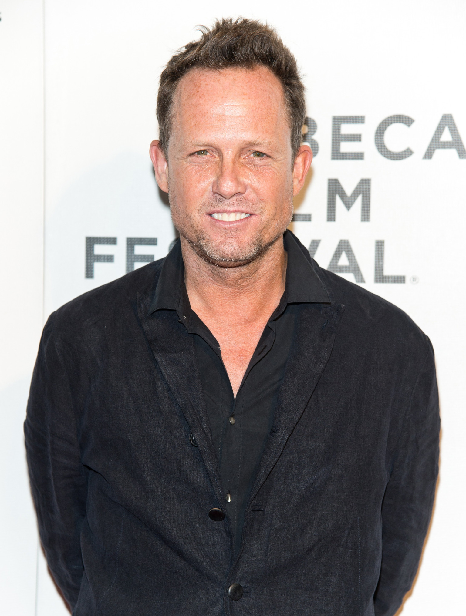 Dean Winters Dean Winters Will Play Warren