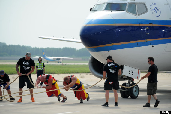 airplane pull
