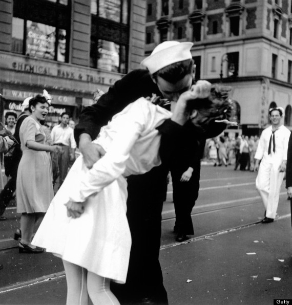 wwii kiss