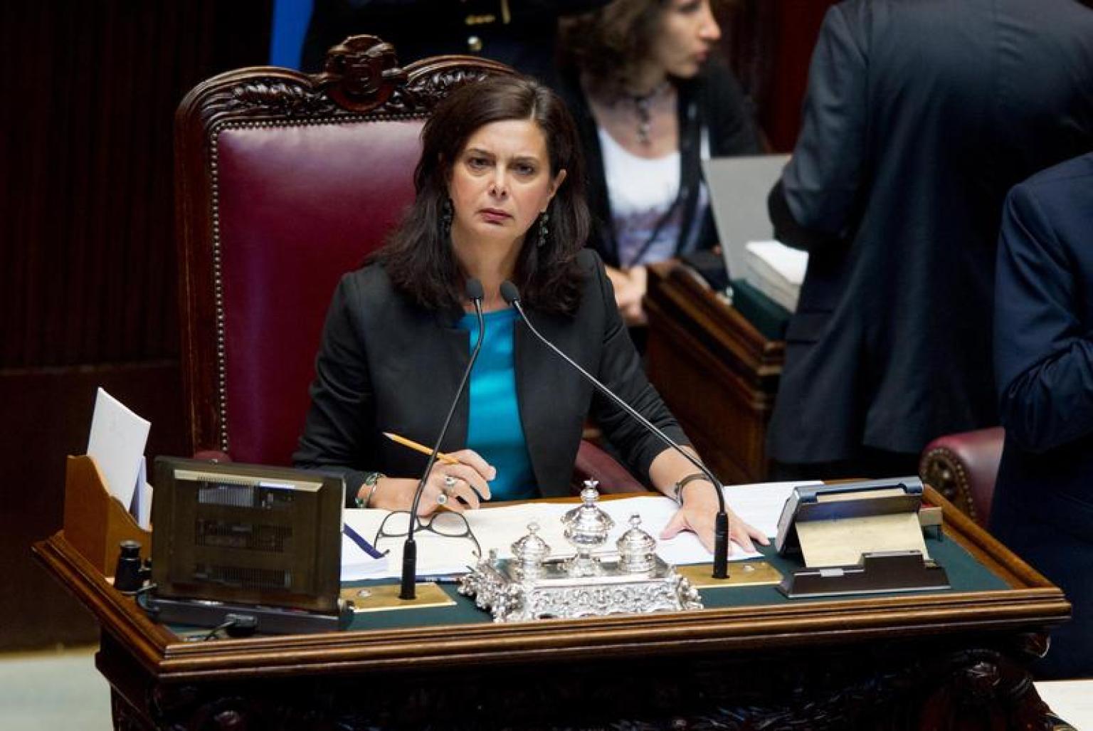 Laura boldrini in aula alla camera il 20 agosto per il for Indirizzo camera dei deputati roma