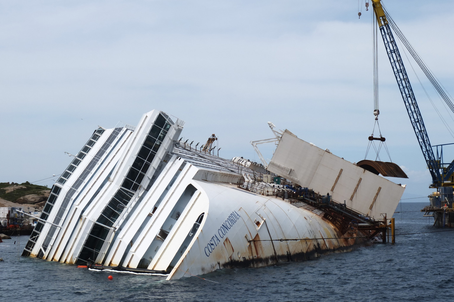 Costa Concordia Wreckage To Be Raised In September As Italy Attempts Biggest Passenger Ship