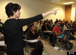 Más clases universitarias para indocumentados