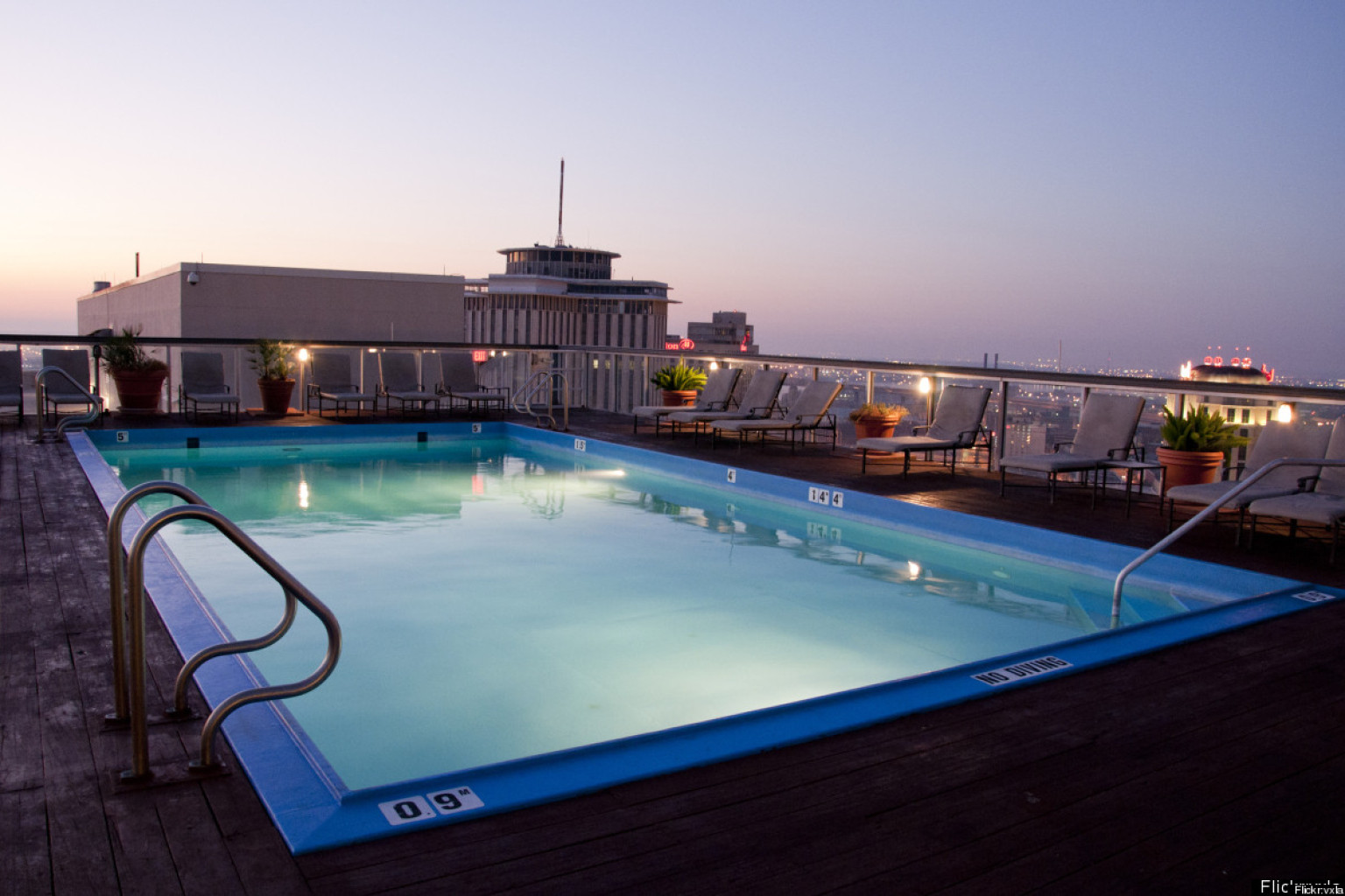 Top 10 rooftop pools huffpost - Swimming pool on top of skyscraper ...
