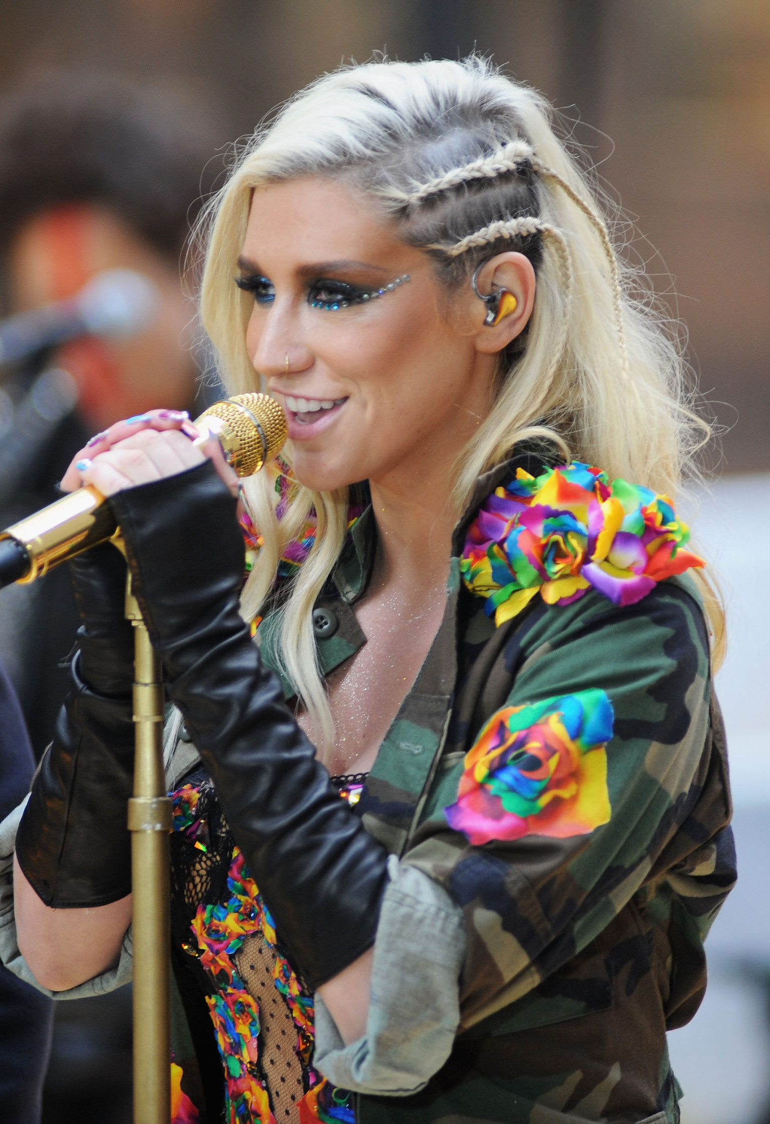 Lincoln Nebraska News >> Westboro Baptists Owned By Kesha's Dancers (VIDEO) | HuffPost