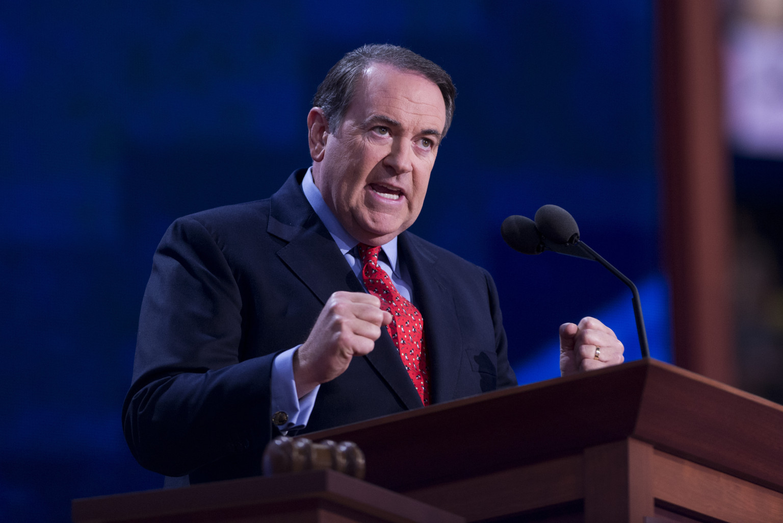 Mike Huckabee, Jim Inhofe Give How-To On Denying Climate Change Without Any Concern For Facts