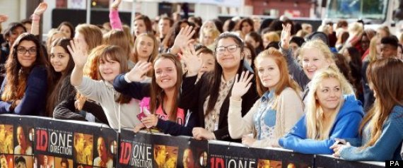 one direction premiere fans