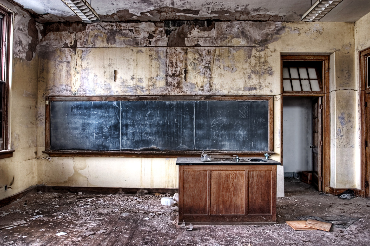 Abandoned schools in decay photos huffpost - The house in the abandoned school ...