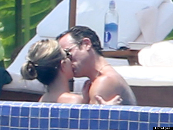 jennifer aniston justin theroux pda