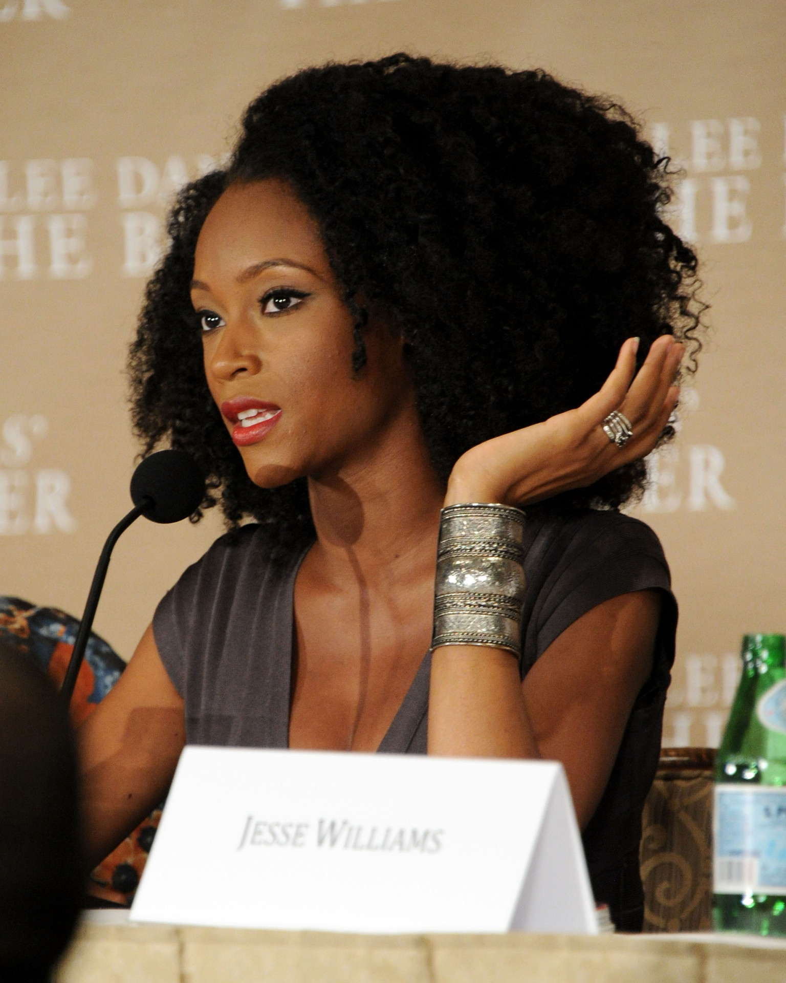 what actress yaya dacosta wants latinos to learn about race from the