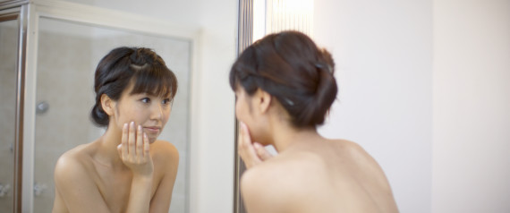 WOMAN REFLECTION MIRROR