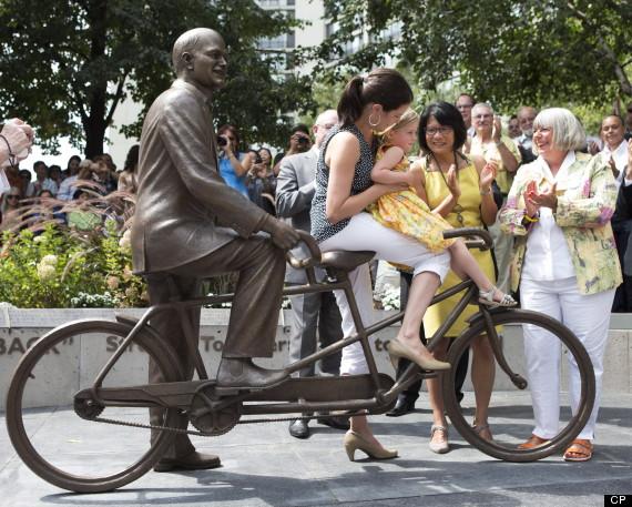 layton statue