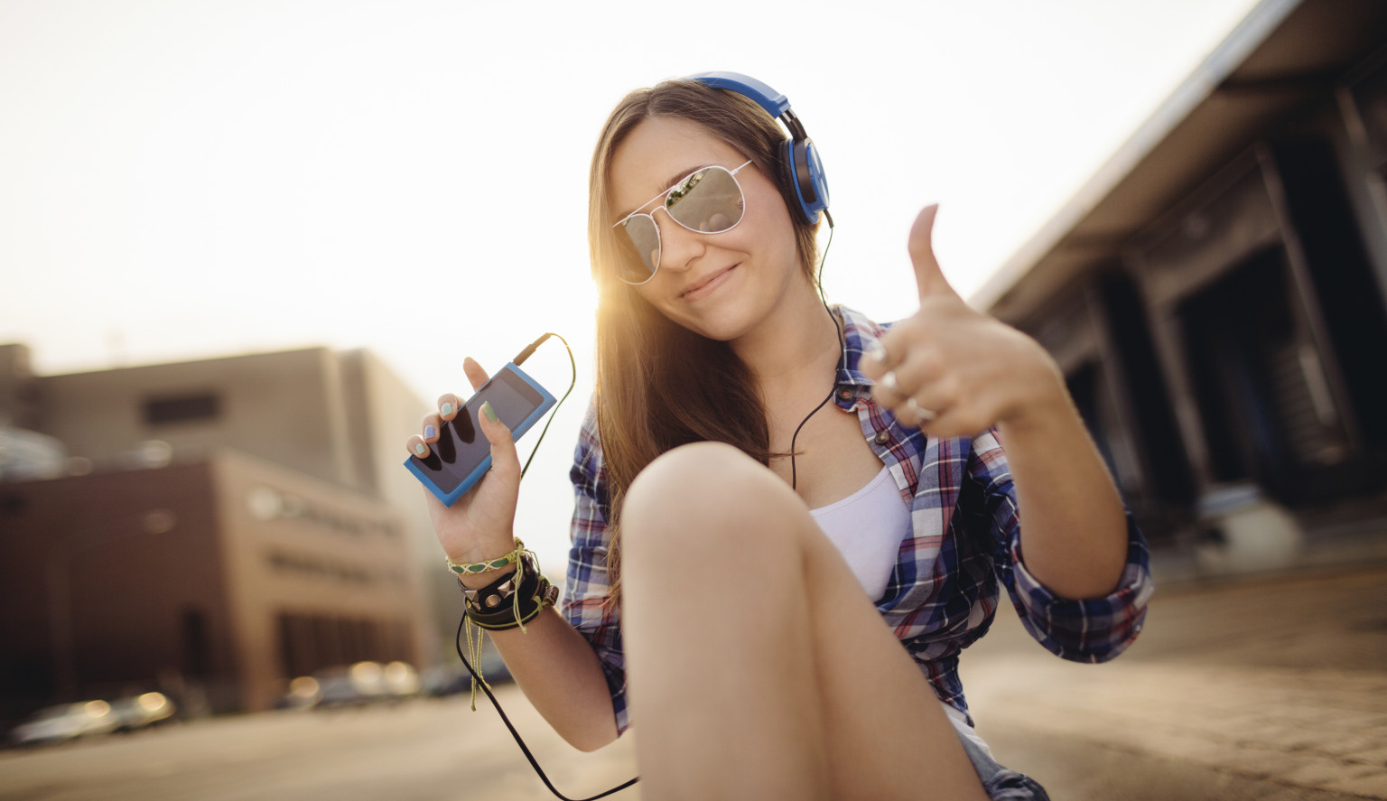 musci and teens The affect music has on different teens music is something that every person has his or her own specific opinion about different people have different taste, and various types of music have many.