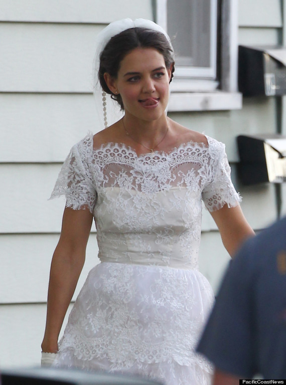Katie holmes wears a wedding dress on set of her new movie for Wedding dresses for 60 year olds